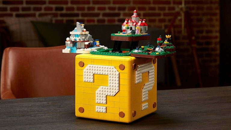The Lego Mario ? Block is filled with Easter Eggs